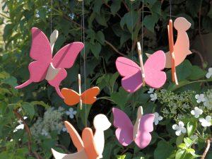 mobile papillons en bois